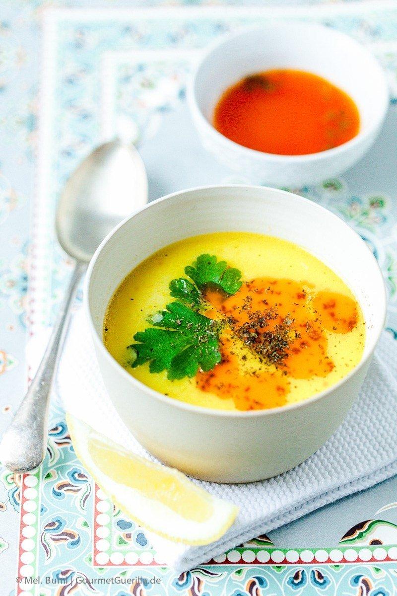 Rezept Türkische Hühnersuppe mit Joghurt und Paprika-Minz-Butter