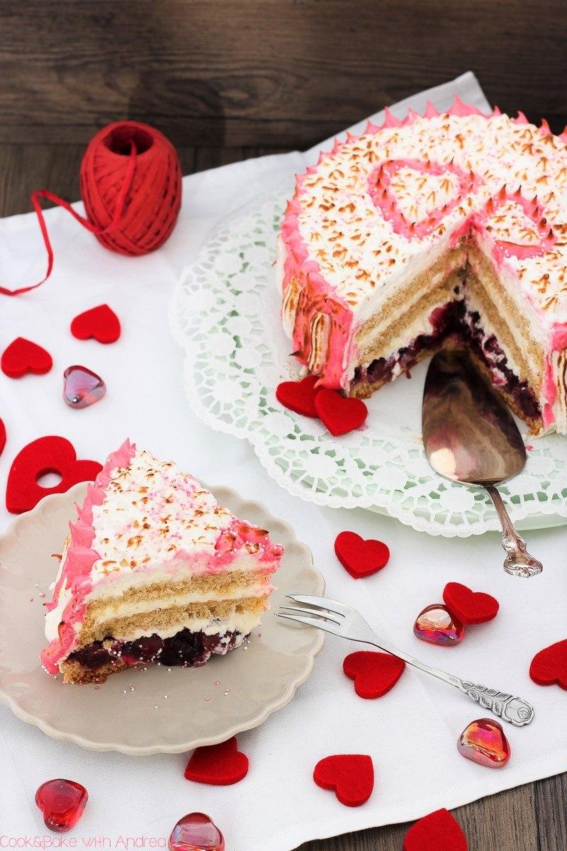 Rezept Valentinstagstorte mit Kirschen und Baiser
