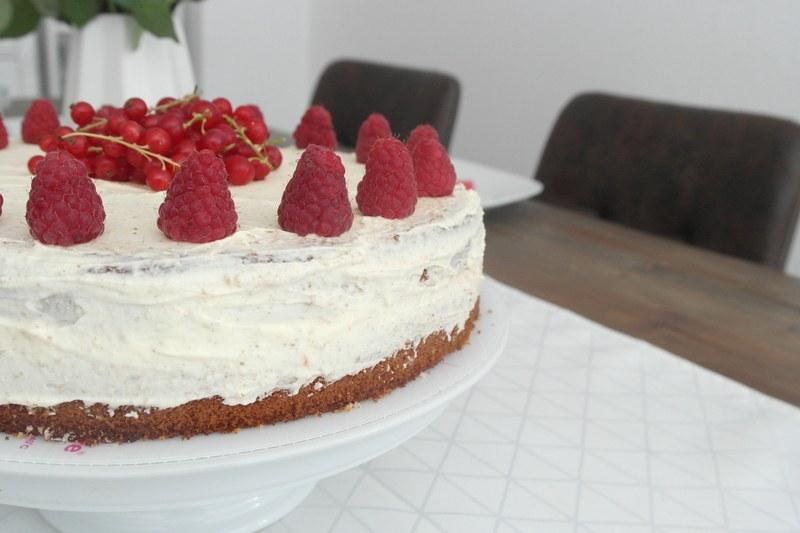 Rezept Vanille-Himbeer Buttercreme Torte