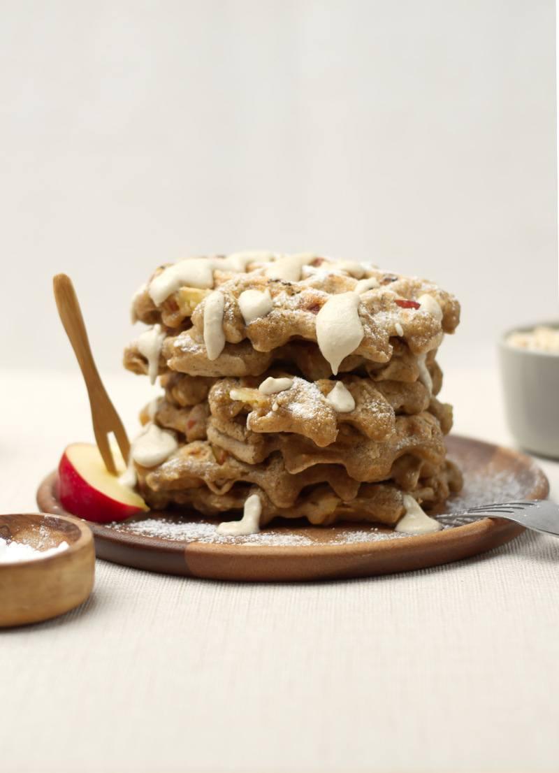 Rezept Vegane Apfelwaffeln aus Haferflocken (ohne Mehl)