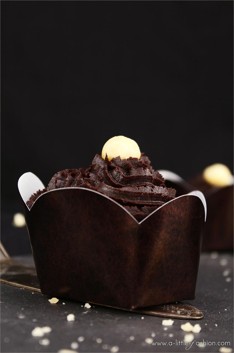 Rezept Vegane Muffins mit Schoko-Macadamia-Topping