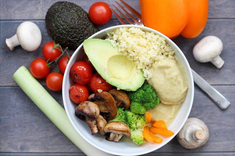 Rezept Vegane Pastinakenpüree Bowl mit Bulgur