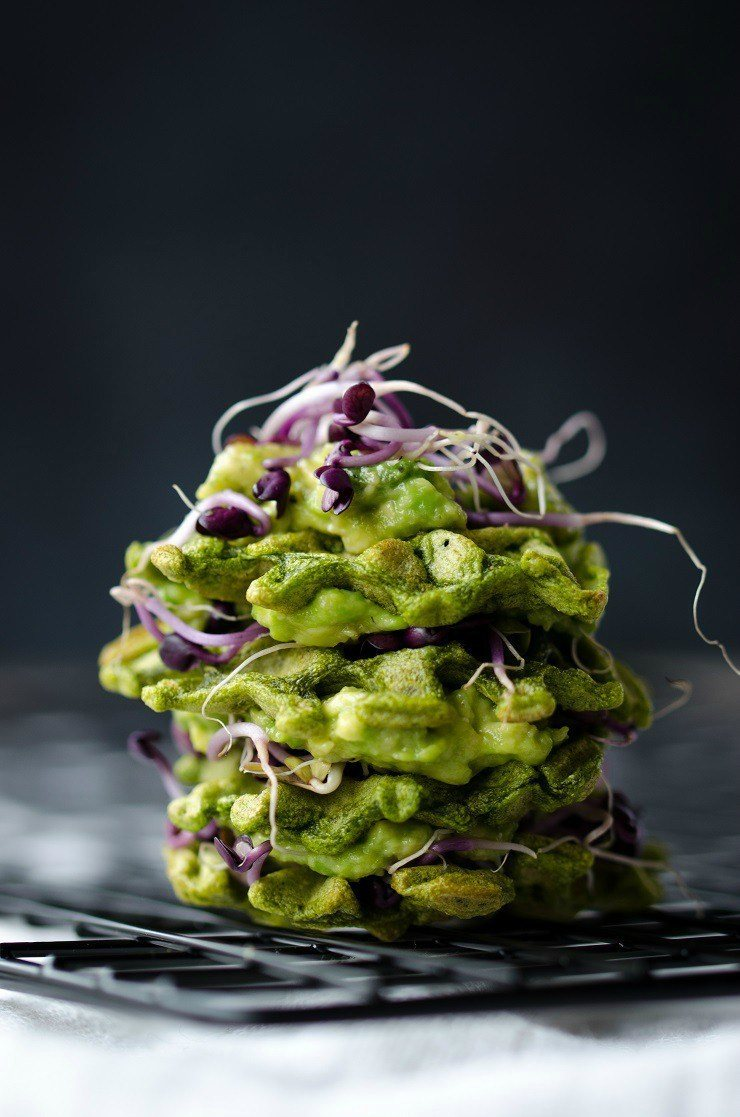 Rezept Vegane Spinatwaffeln mit Avocado und Sprossen