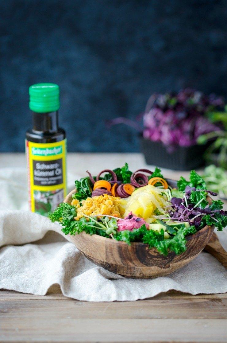 Rezept Vegane Winter Buddha Bowl mit Grünkohl und Roten Linsen