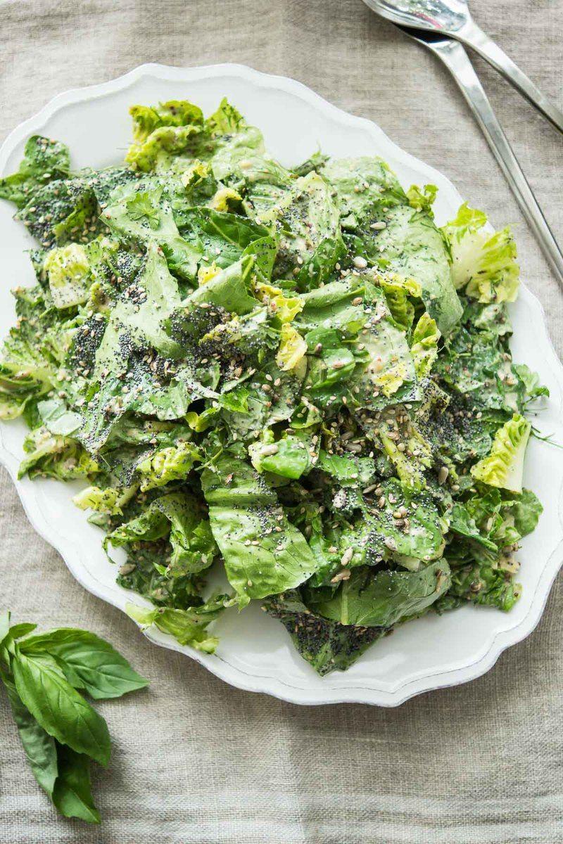 Rezept Veganer Caesar Salad mit Tahini-Dressing und gemischten Körnern