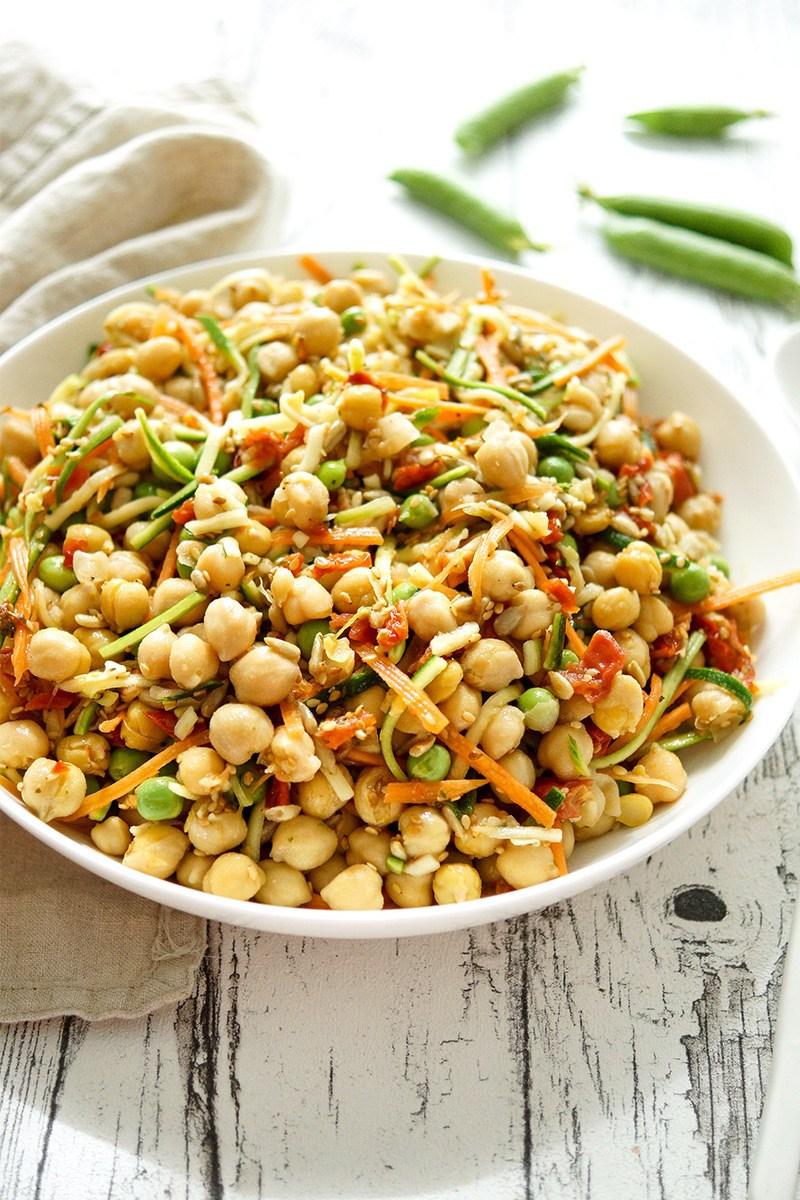 Rezept Veganer Kicherebsensalat mit Zucchini und Karotte