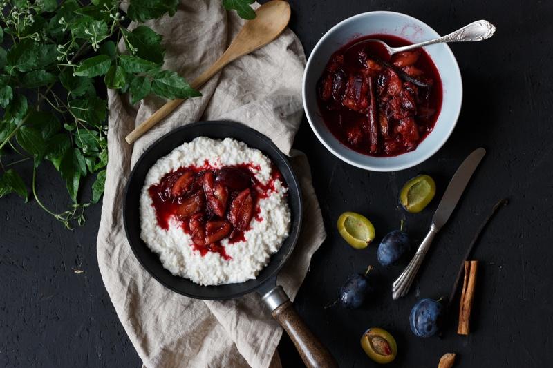 Rezept Veganer Kokosmilchreis mit pochierten Pflaumen