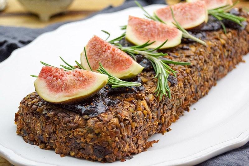 Rezept Veganer Nussbraten mit Linsen, Pilzen und Feigen-Balsamico-Soße