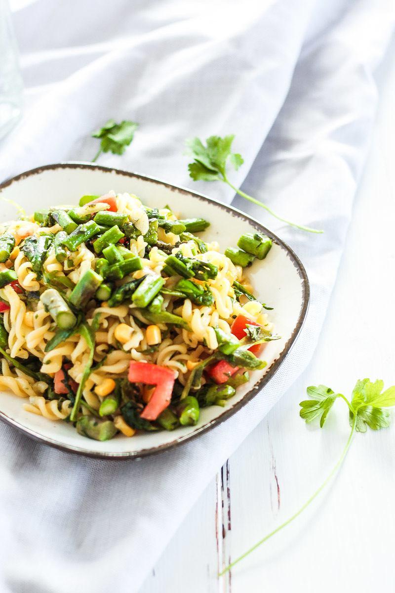 Rezept Veganer Spargel-Nudelsalat - perfekt für's Grillen