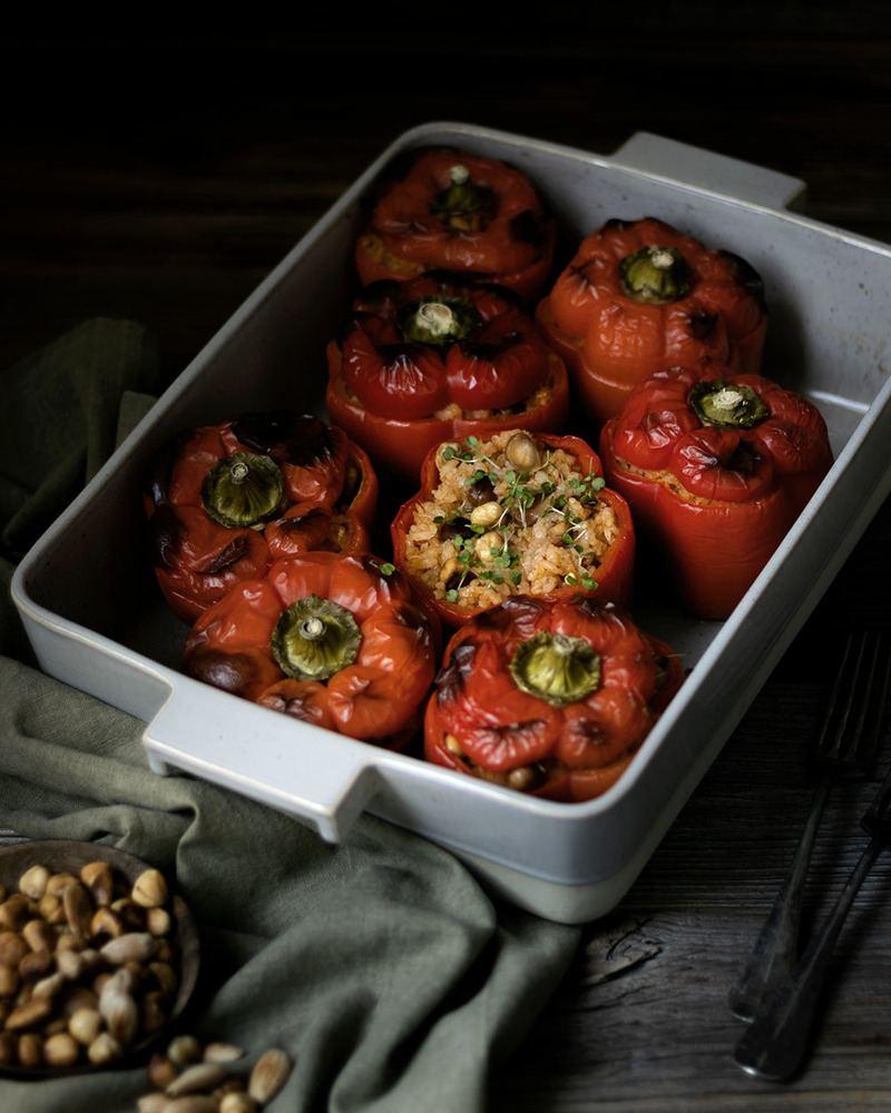 Rezept Vegetarisch gefüllte Paprika mit Reis & Nüssen | Hausmannskost neu interpretiert