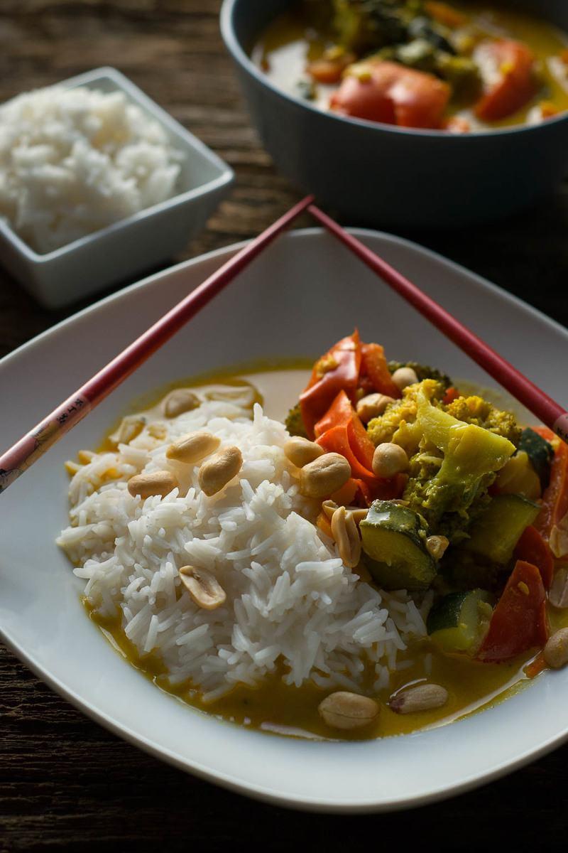 Rezept Vegetarisches Thai Curry mit Erdnüssen