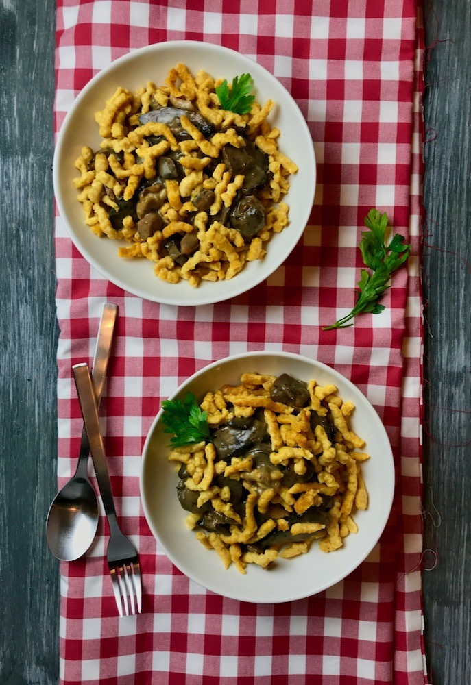 Rezept Vollkorn-Kürbisspätzle mit Hähnchen-Pilzgeschnetzeltem