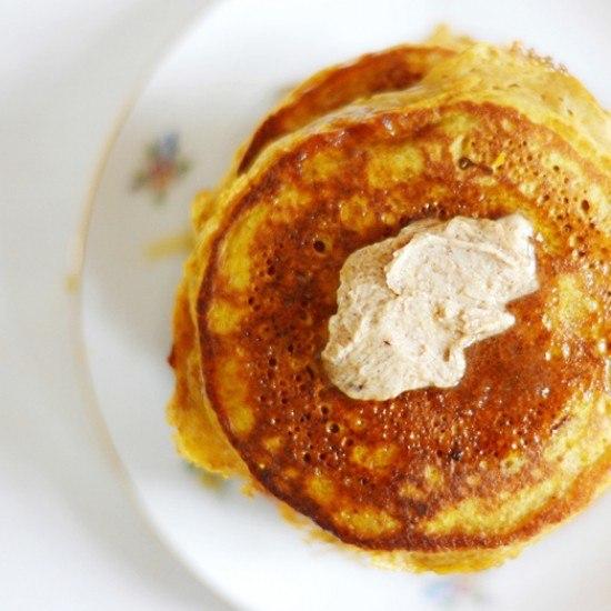 Rezept Vollkorn-Pancakes mit Kürbis und Zimtbutter