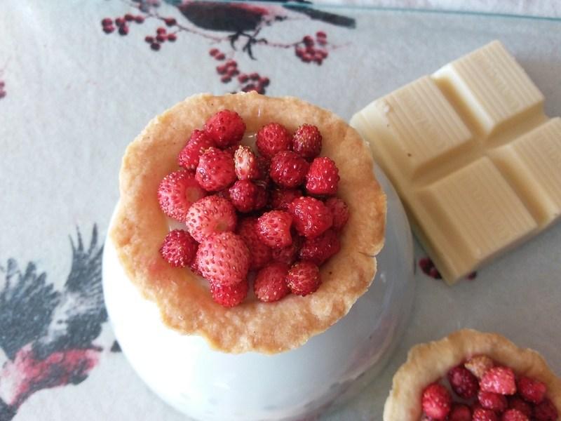 Rezept Walderdbeertörtchen mit weißer Schokoladencreme
