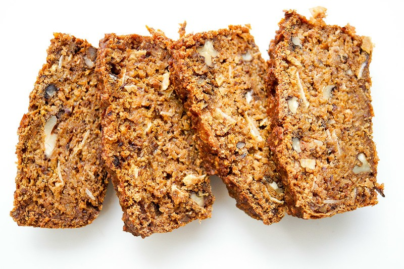 Rezept Walnuss-Dattel-Brot mit Hokkaido (vegan + glutenfrei)