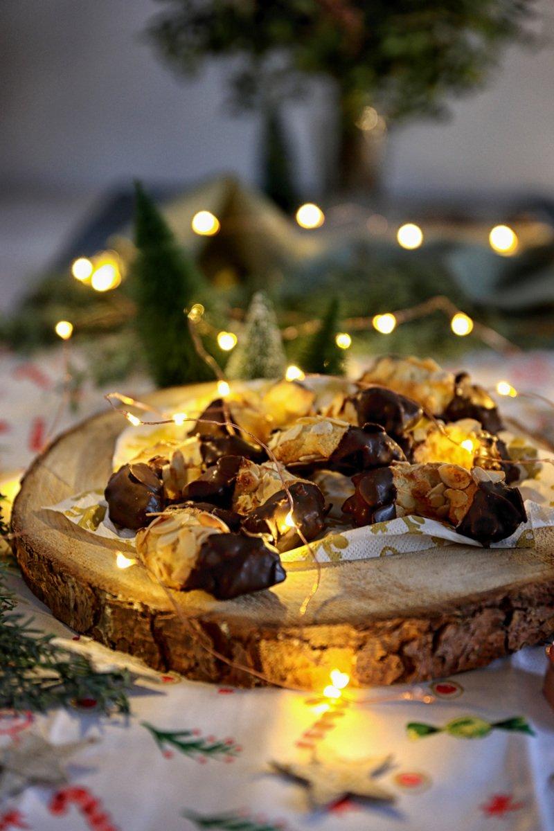 Rezept Weihnachtsbaeckerei: Mandelhörnchen