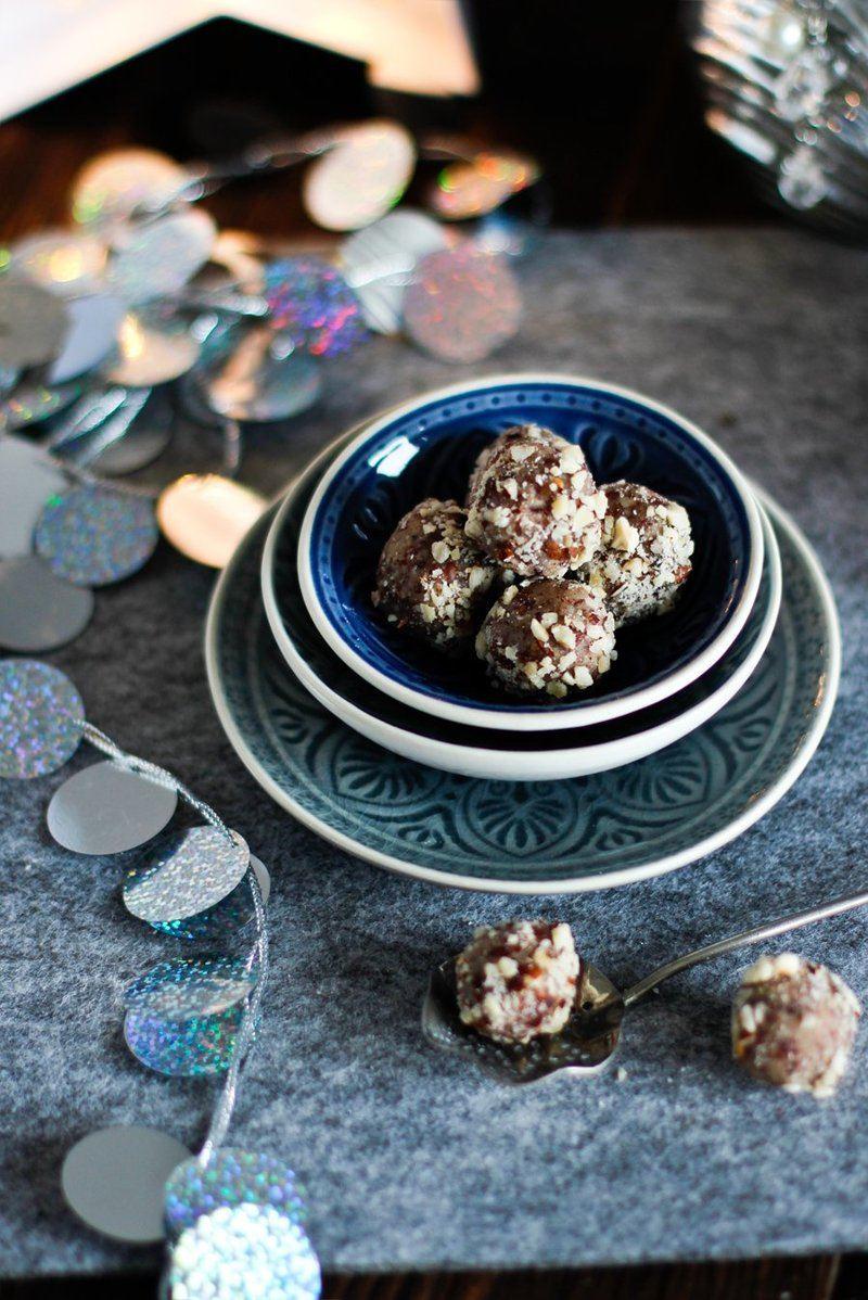 Rezept Weihnachtspralinen mit Marzipan & Cranberries