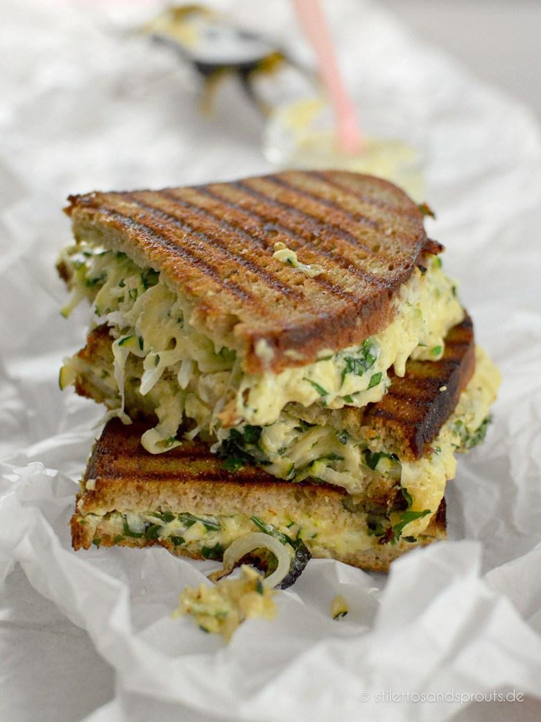 Rezept White BBQ Veggie Grilled Cheese Sandwich