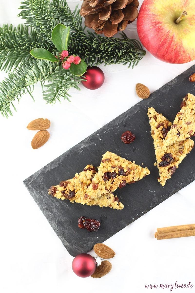 Rezept Winterliche Apfel-Hafer-Nussecken mit Cranberries