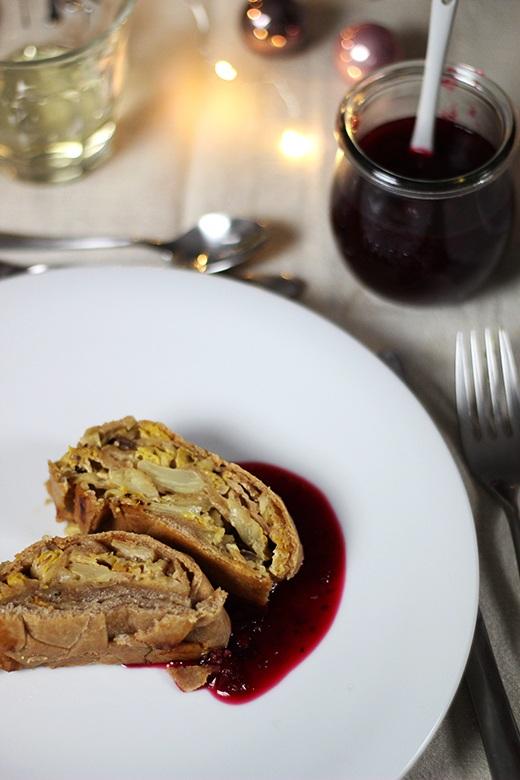 Rezept Wirsing-Maronenstrudel mit Cranberrysauce