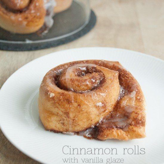 Rezept Zimtschnecken mit Vanilleglasur {Cinnamon rolls with vanilla glaze}