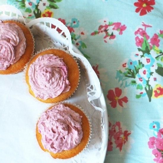 Rezept Zitronen-Cupcakes mit Himbeer-Topping