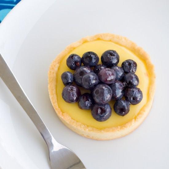 Rezept Zitronen Tartlets mit Heidelbeeren
