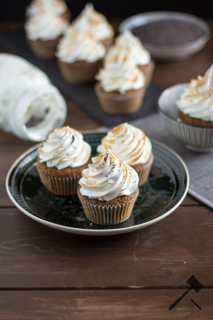 Rezept Zitronen und Mohn Cupcakes mit Meringuefrosting