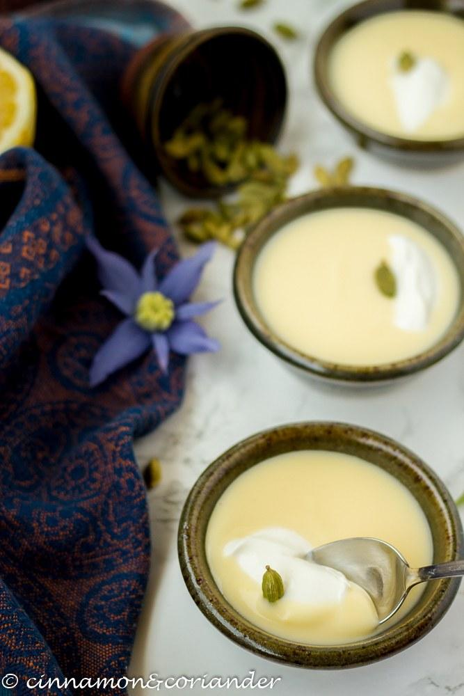 Rezept Zitronenpudding mit Kardamom & griechischem Joghurt