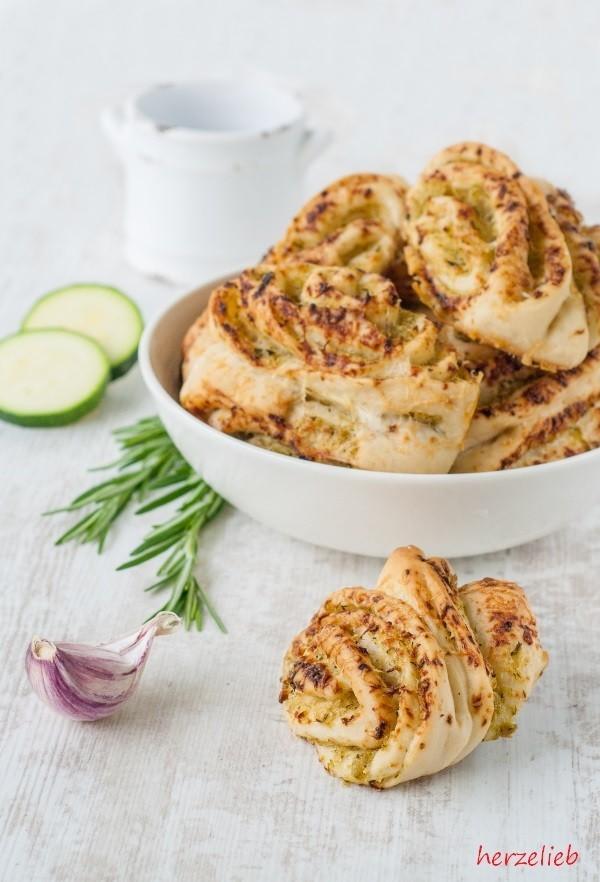Rezept Zucchini-Franzbrötchen