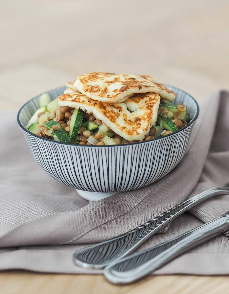 Rezept Zucchini-Linsen-Salat mit Senf-Vinaigrette & Halloumi
