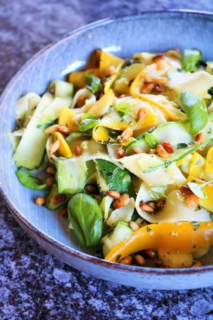 Rezept Zucchini Pappardelle mit Feta und Zitrone