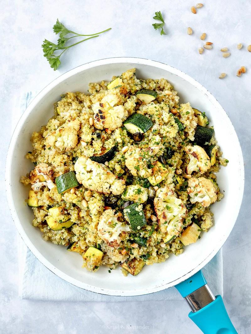 Rezept Zucchini-Quinoa-Pfanne mit geröstetem Karfiol