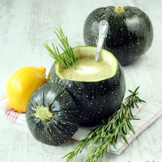 Rezept Zucchinisuppe mit Rosmarin und Zitrone