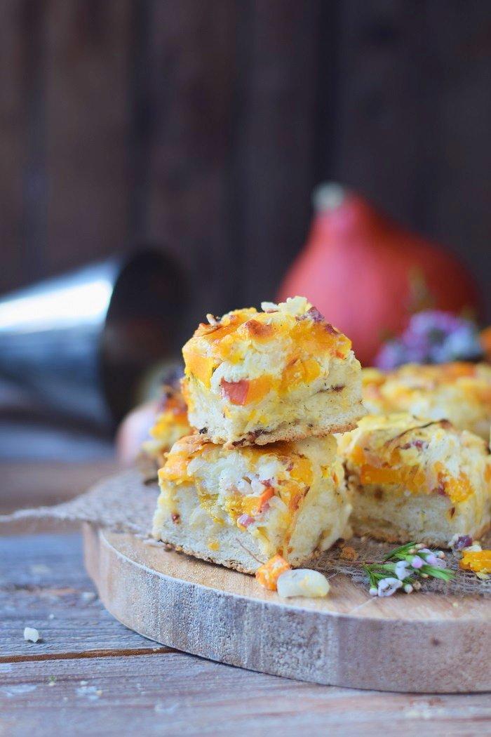 Rezept Zwiebelkuchen mit Kürbis und Rosmarin