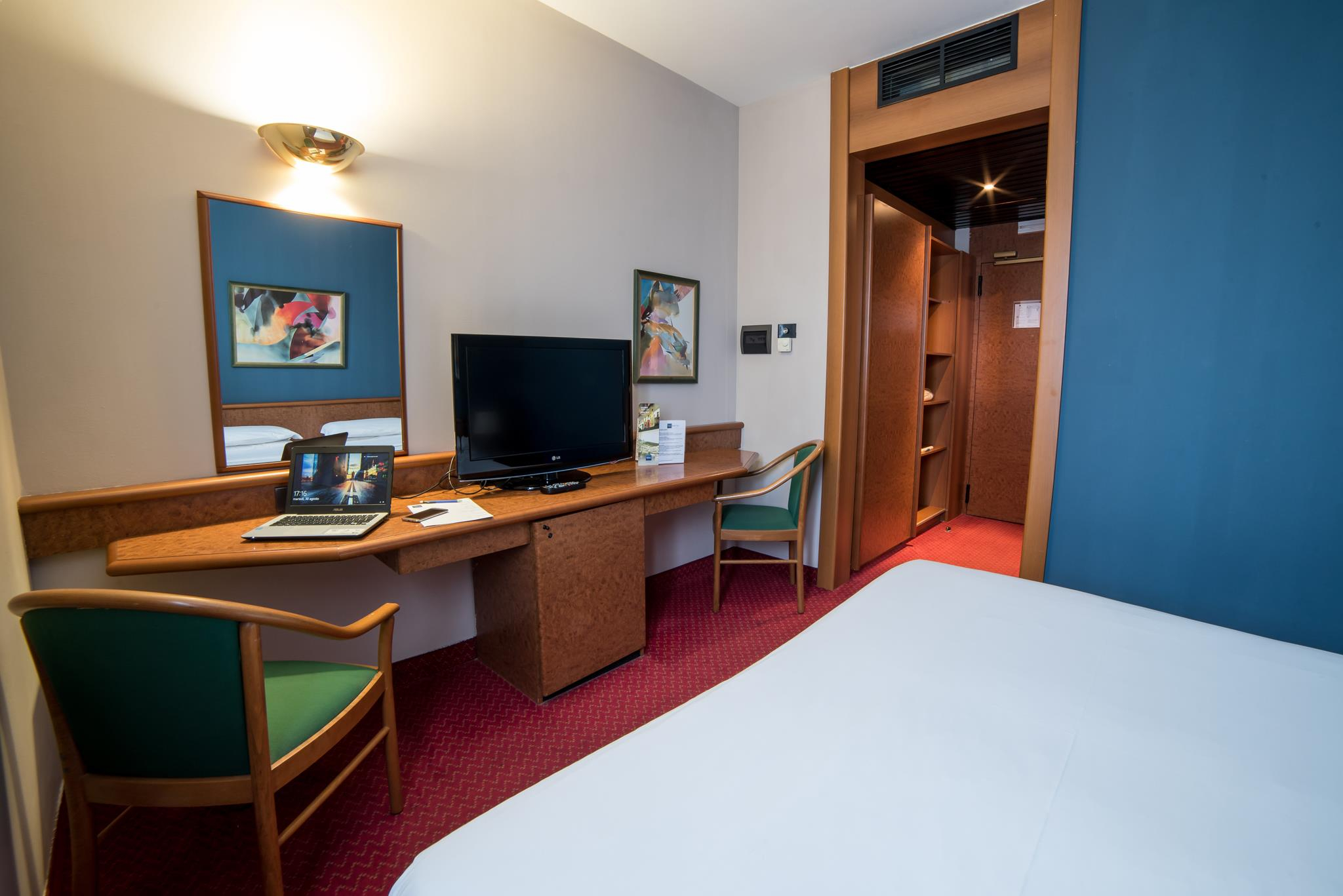 Double King Room Idea Hotel Piacenza