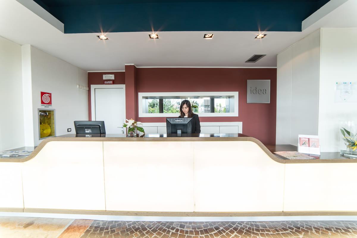 Idea-hotel-roma-nomentana-reception
