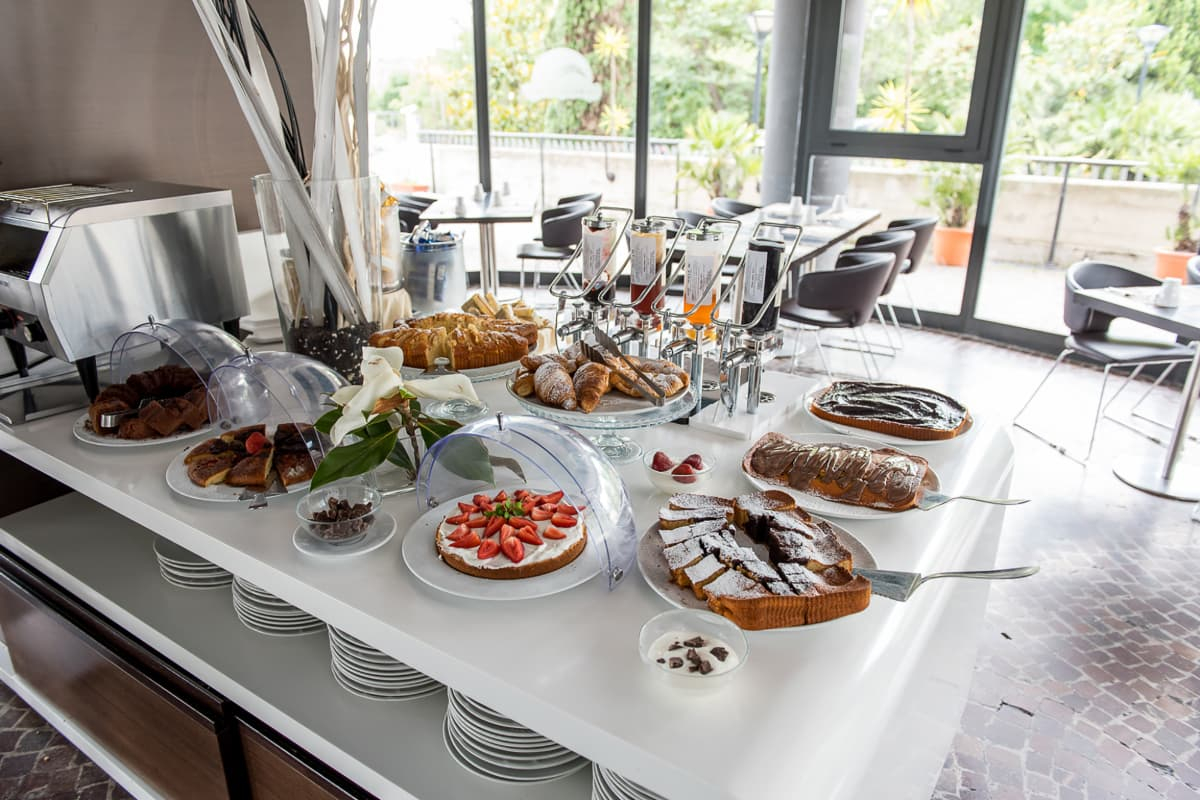 idea-hotel-rome-nomentana-breakfast