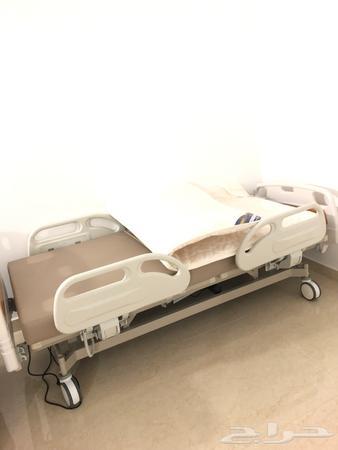 سرير طبي جديد من النهدي لمن يحتاجه