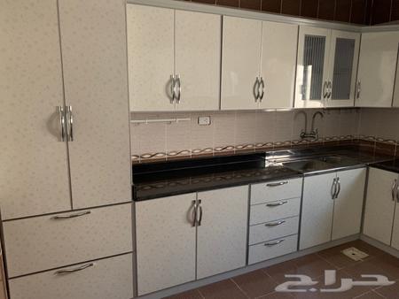 مطبخ مستعمل نظيف جدا للبيع