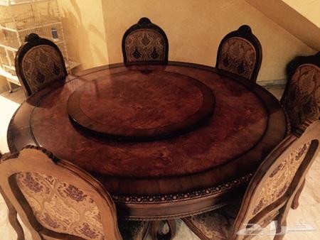 للبيع طاولة طعام دائرية وبالنص طاوله متحركة