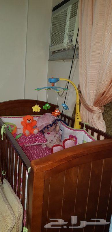 سرير اطفال رضع خشب فاخر بكافة مشتملاته