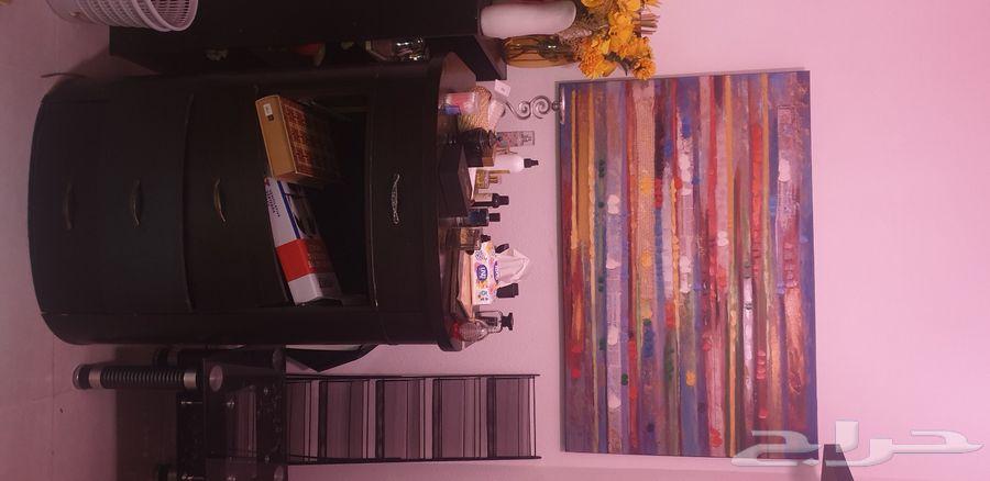 تحف ولوحات واشجار زينه طاولات مكتبيه للبيع