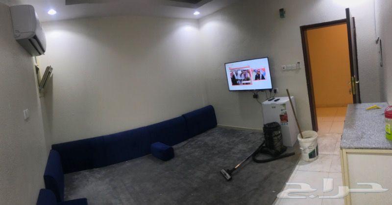 شقة غرفة وصالة عزاب مؤثثة