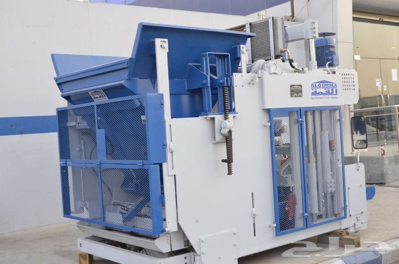 ماكينة تصنيع البلوك الأسمنتى - القمة 913