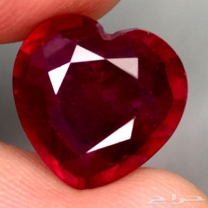 حجر كريم ياقوت قلب