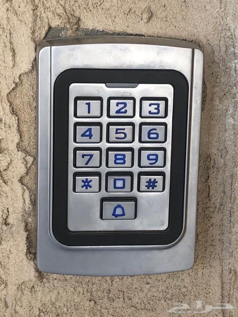 جهاز تحكم في البوابات بالرقام سرية