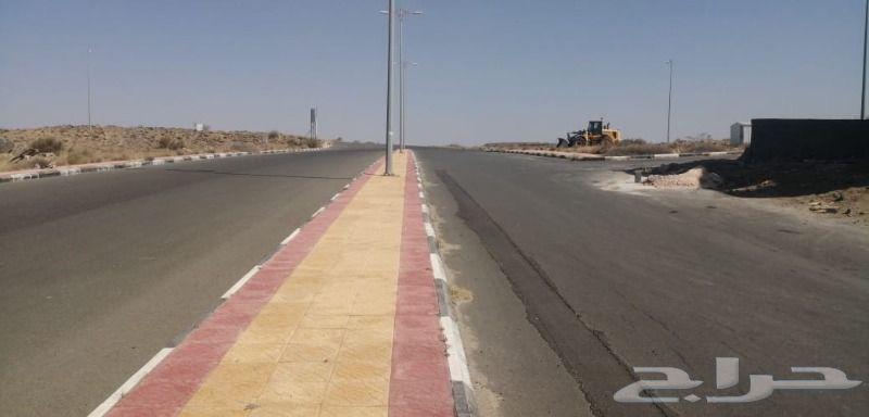 ارض 700م ابها مخطط العليا غرب المطار