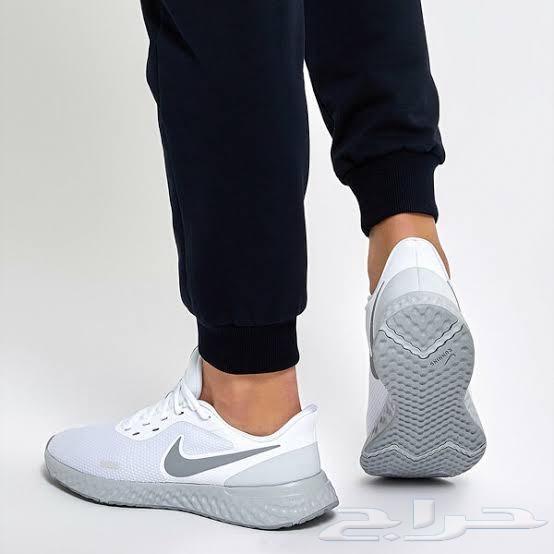 جزمة مشي نايك NIKE أصلية - أبيض - Revolution