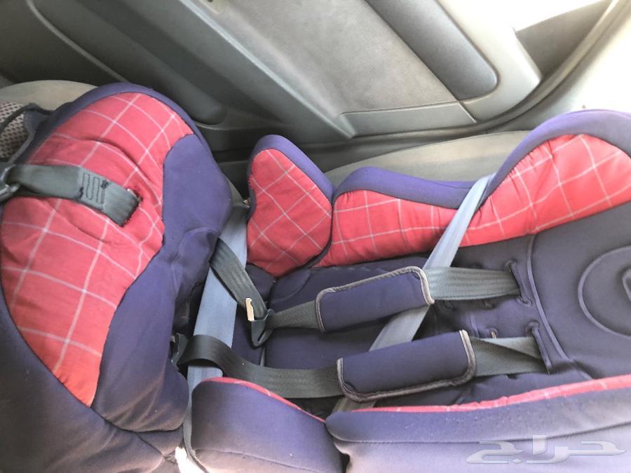 مقعد سيارة للاطفال وعربة اطفال وسكوتر
